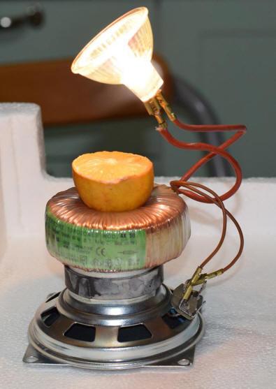 Lampada Da Tavolo Ecologica Che Non Consuma Energia